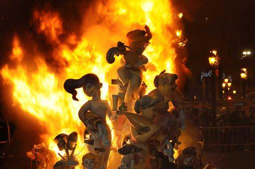 las fallas burning